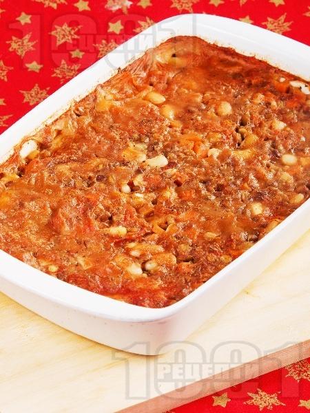 Постен печен боб и леща яхния с домати и моркови в тава на фурна - магията на мама - снимка на рецептата
